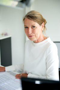 Portrait von Geschäftsführerin Hildegard Schröder
